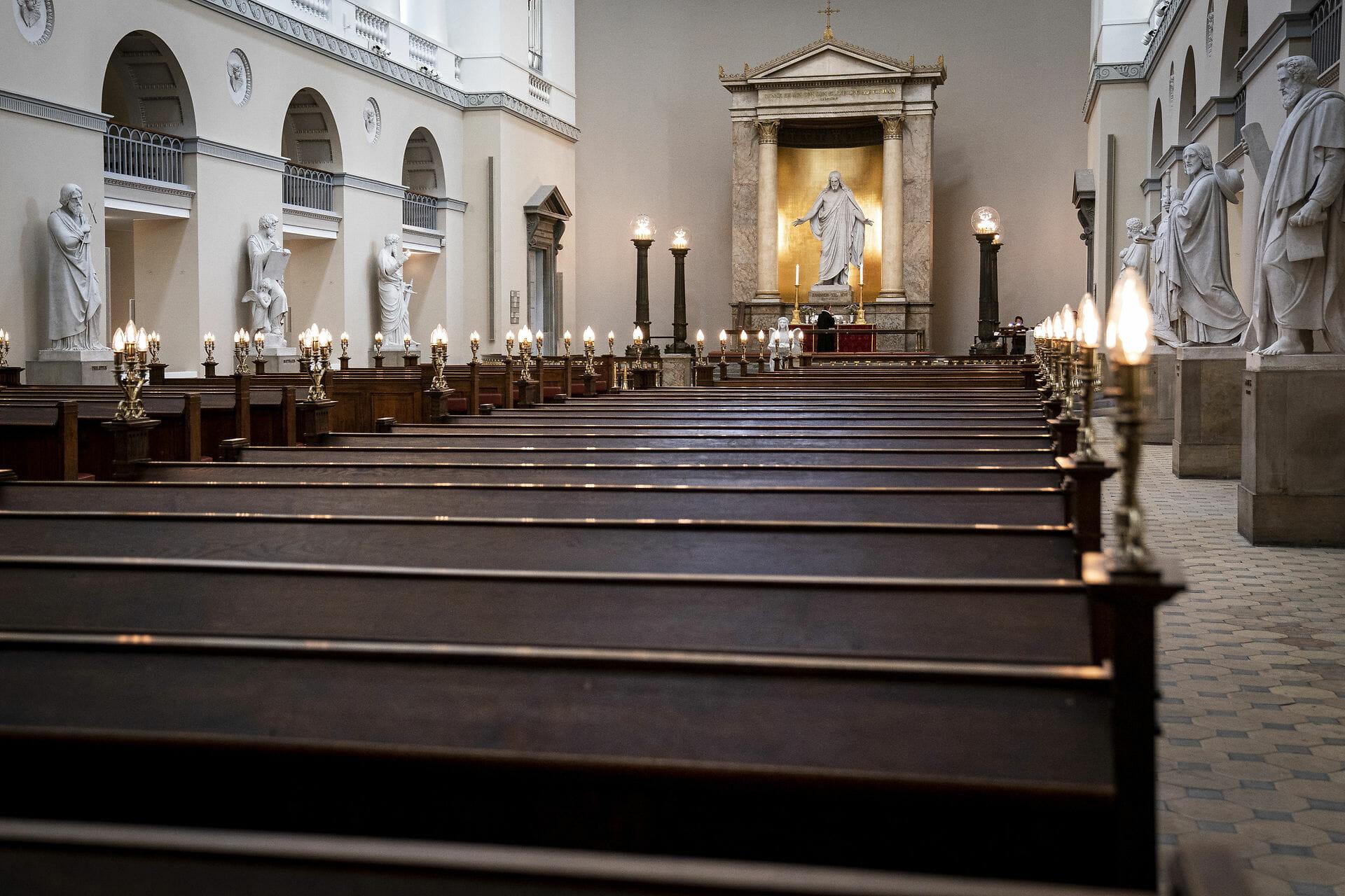 Read more about the article Rød blok vil skille kirke og stat