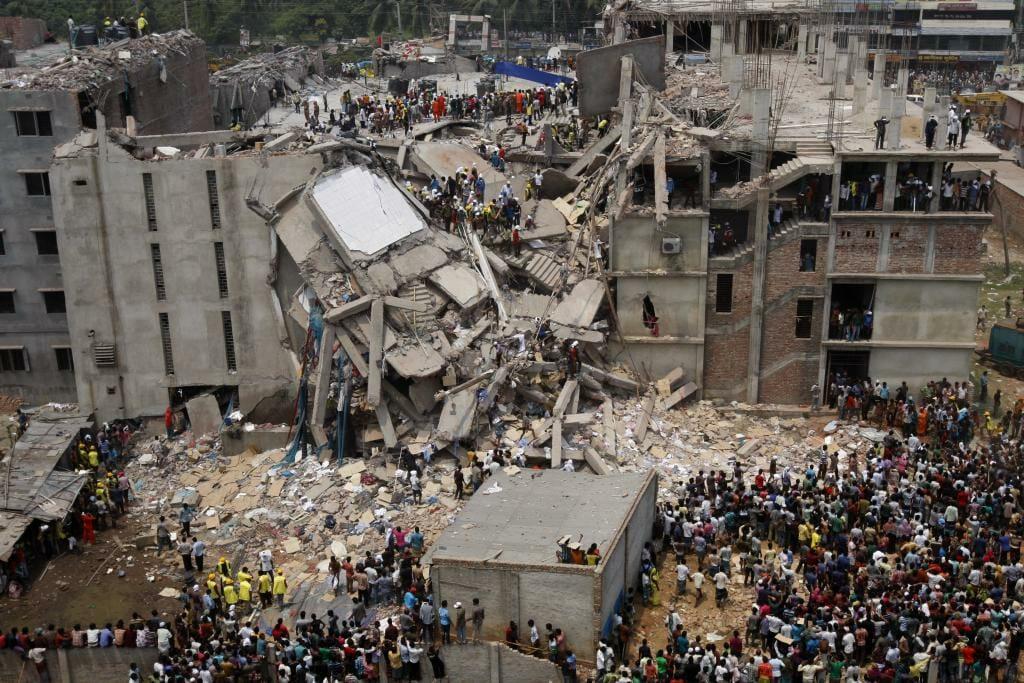 Read more about the article 1000 tekstilarbejdere døde efter bygningskollaps i Bangladesh