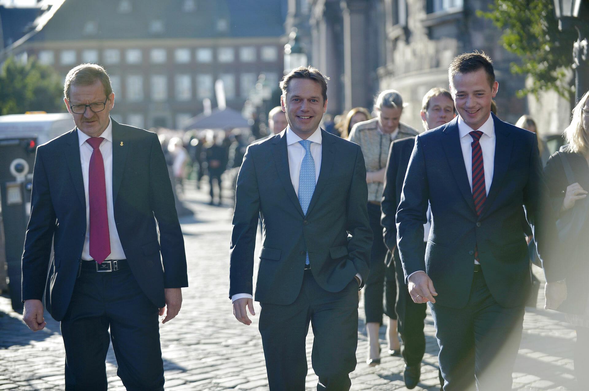 Read more about the article Folketingskandidater vil skille kirke fra stat