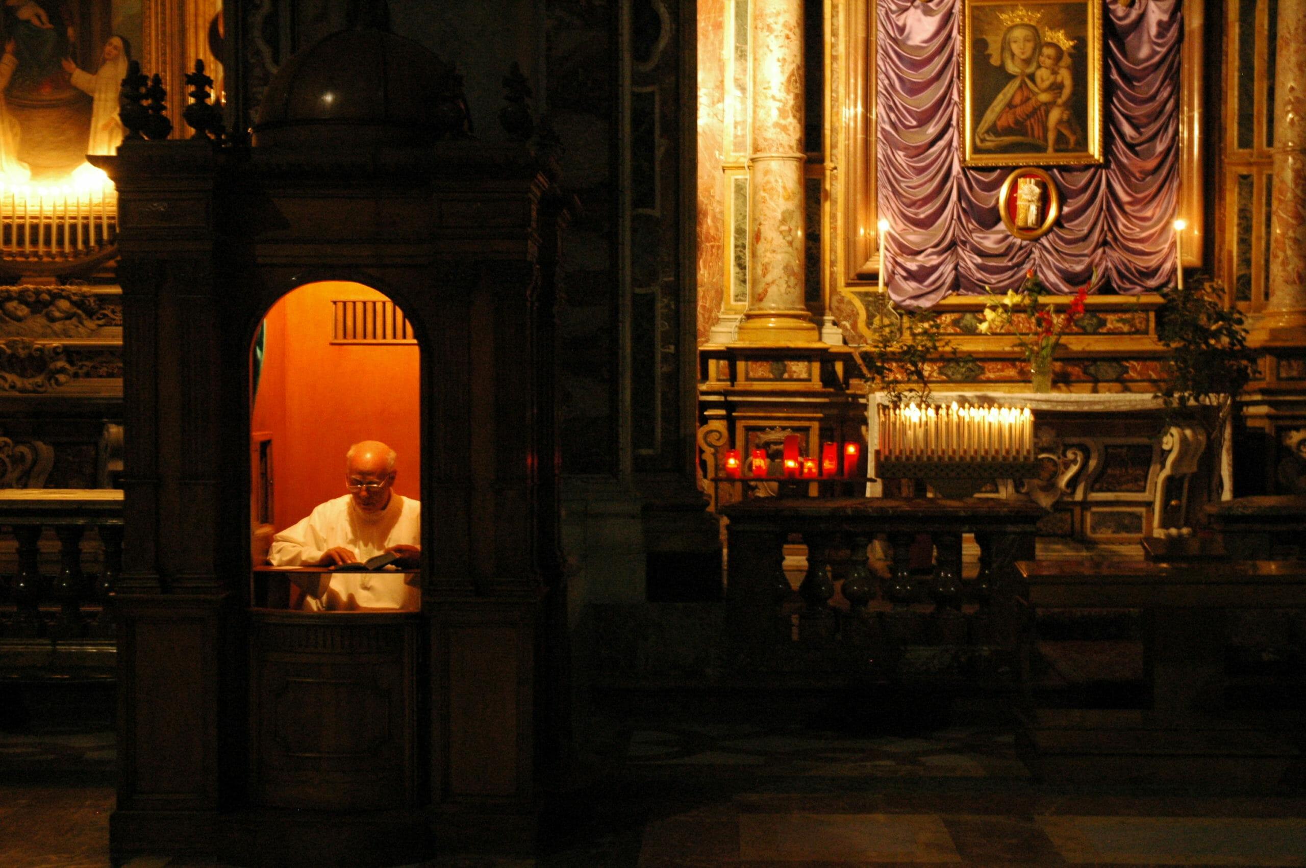 FAKTA: Den katolske kirkes syv sakramenter