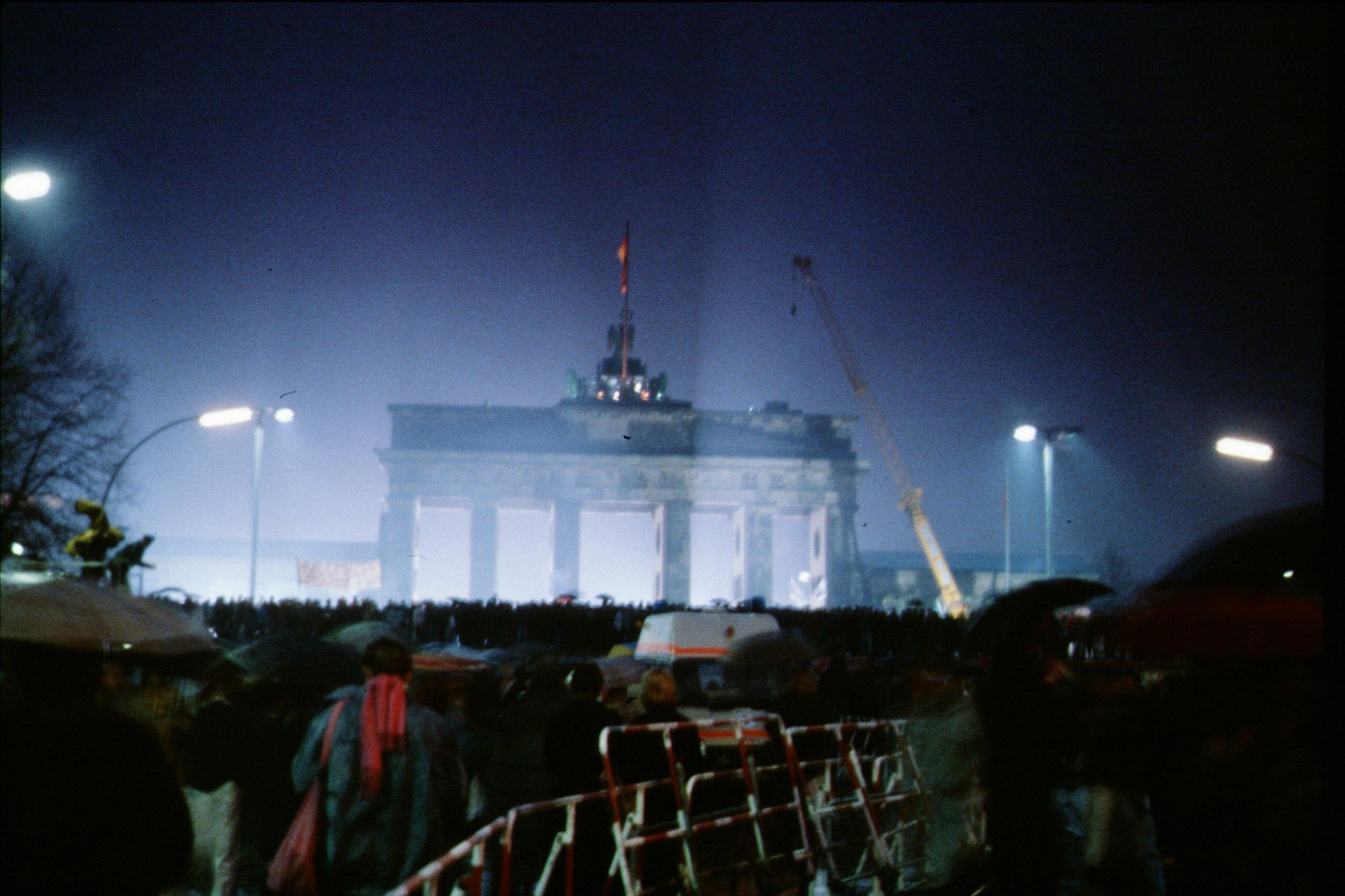OVERBLIK: Fra Berlinmurens fald til et samlet Tyskland