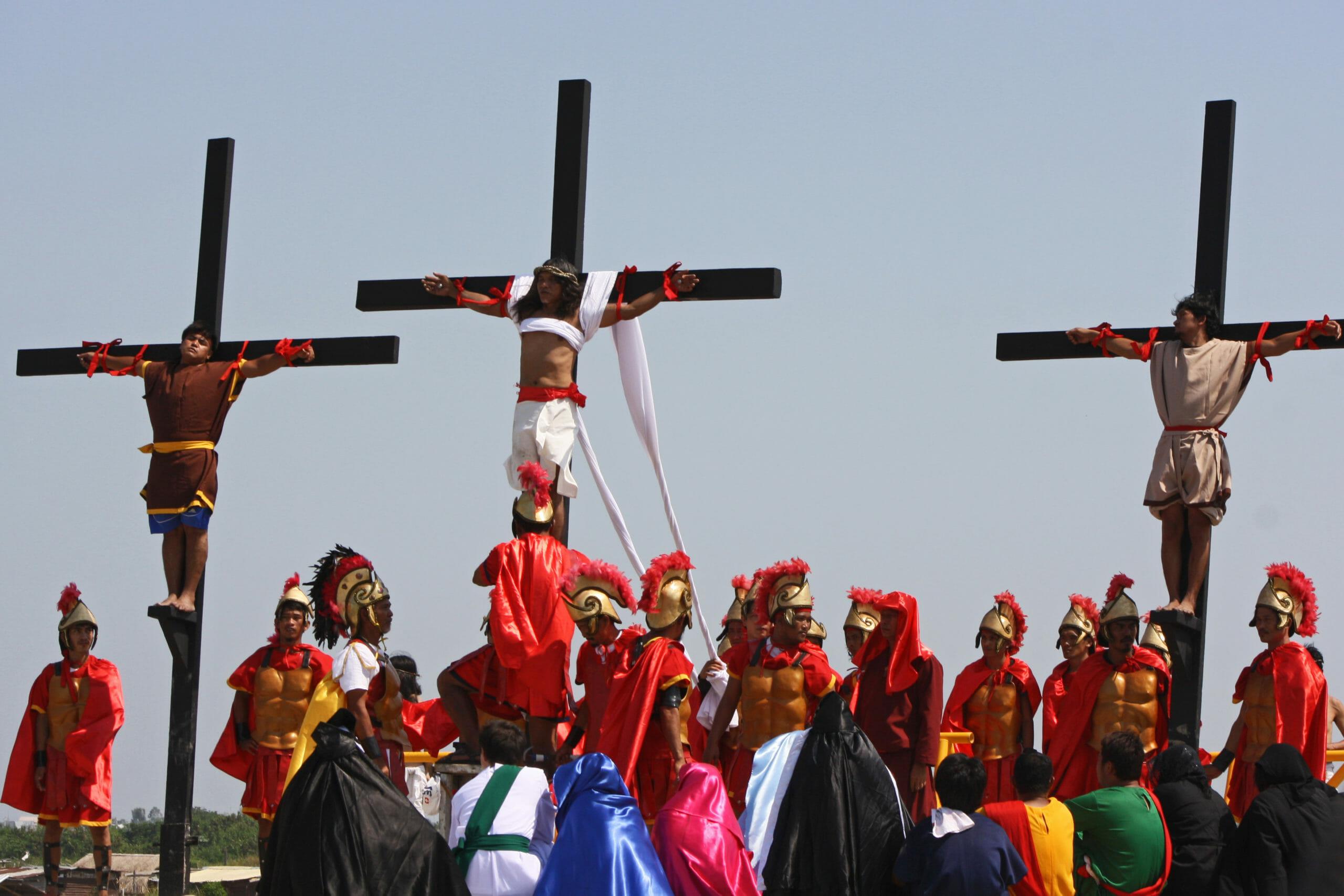 Katolske filippinere korsfæster sig selv i Jesu navn