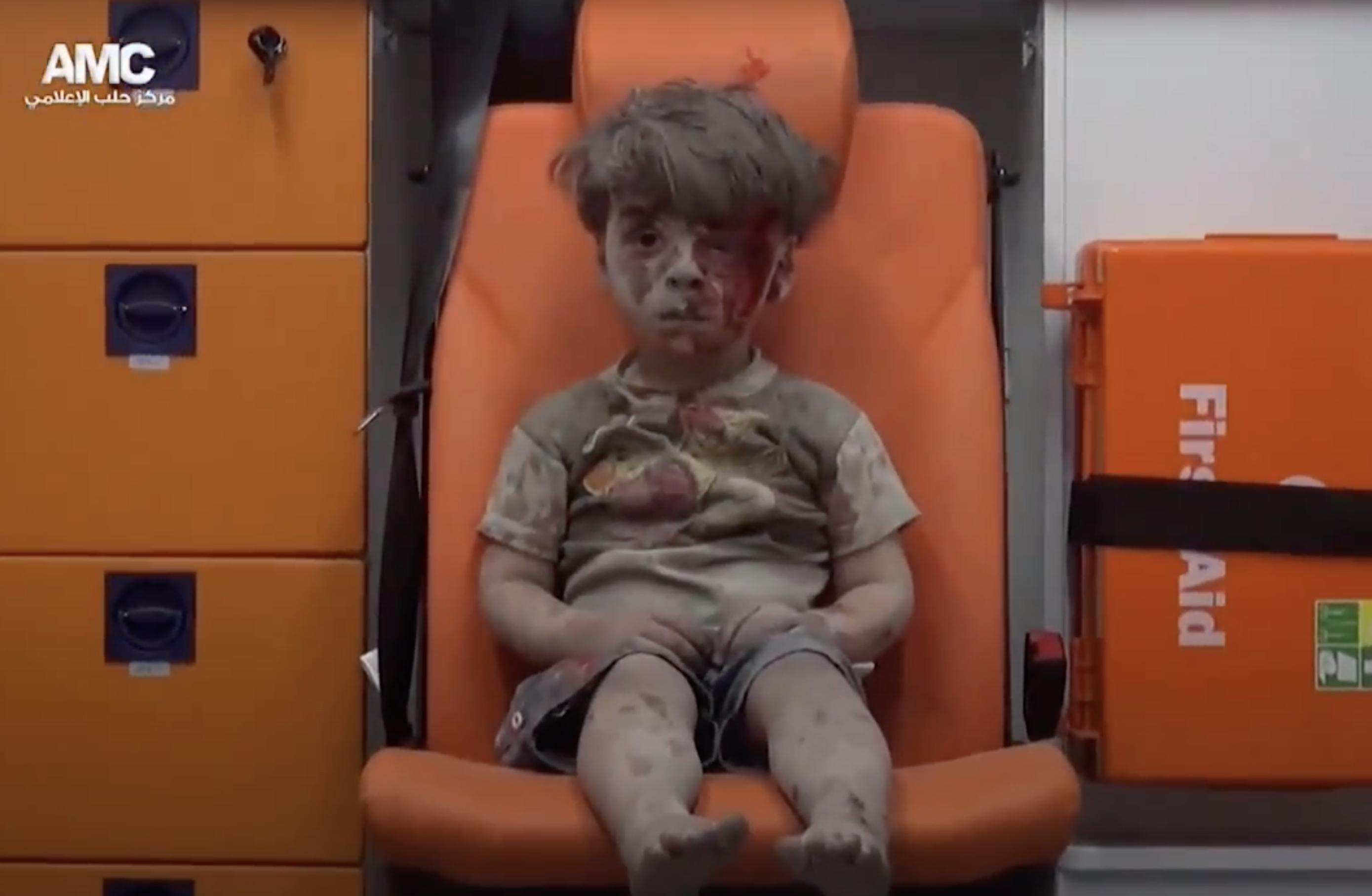 Read more about the article FAKTA: Tøndebomber og klyngebomber i Aleppo