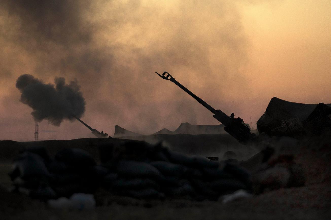 Read more about the article Oprørere har indledt angreb på IS-hovedstaden Raqqa