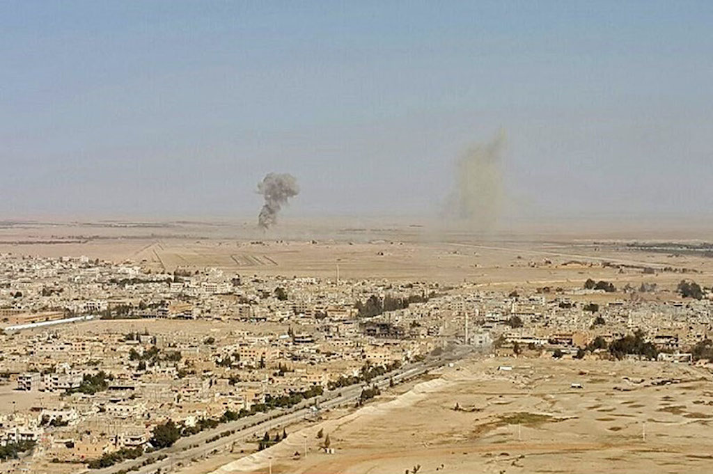 Read more about the article Syriens hær erobrer oldtidsbyen Palmyra tilbage fra IS