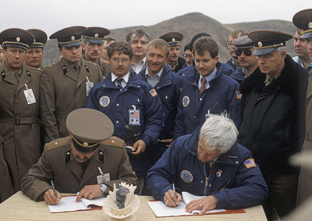 INF: Den kolde krigs store våbenaftale
