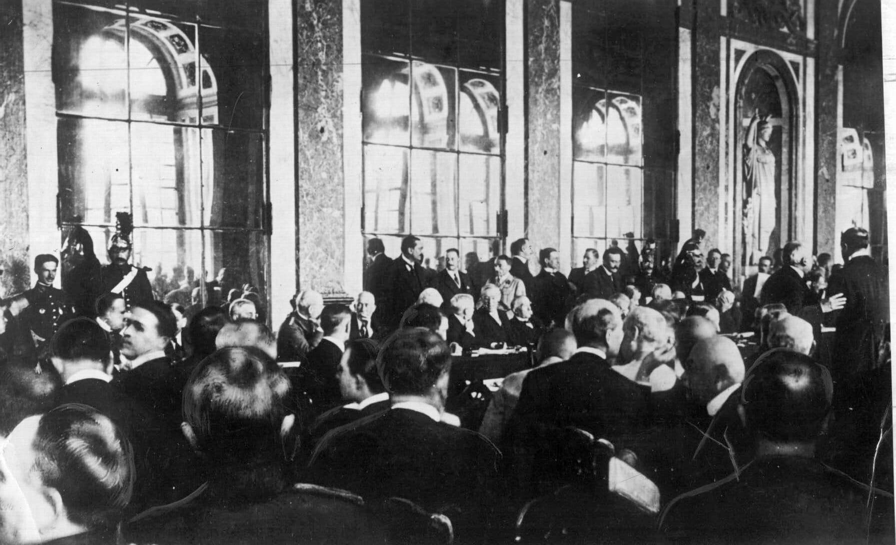 Versailles: Freden der endte med en ny krig