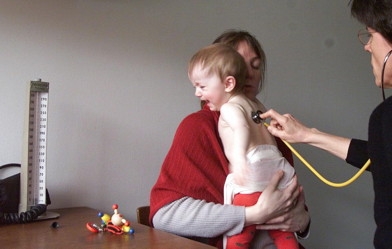 Flere forsikrer deres børn mod sygdom og ventetid