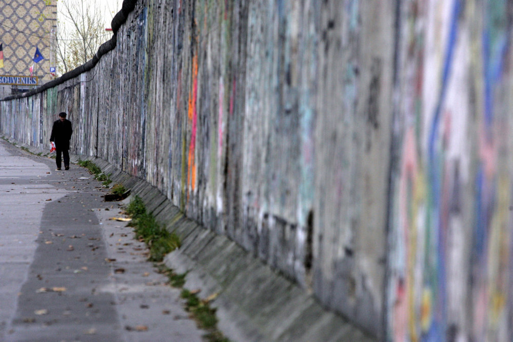 OVERBLIK: Det siger danske politikere om murens fald