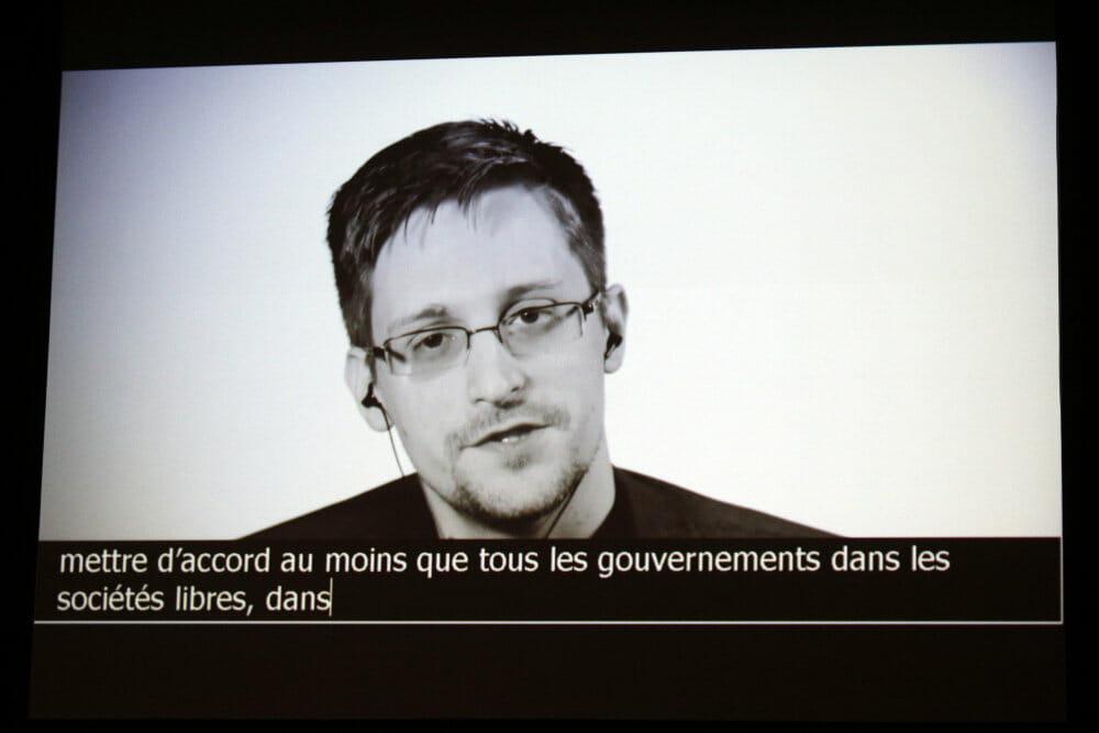 Rapport stempler Snowden som forræder