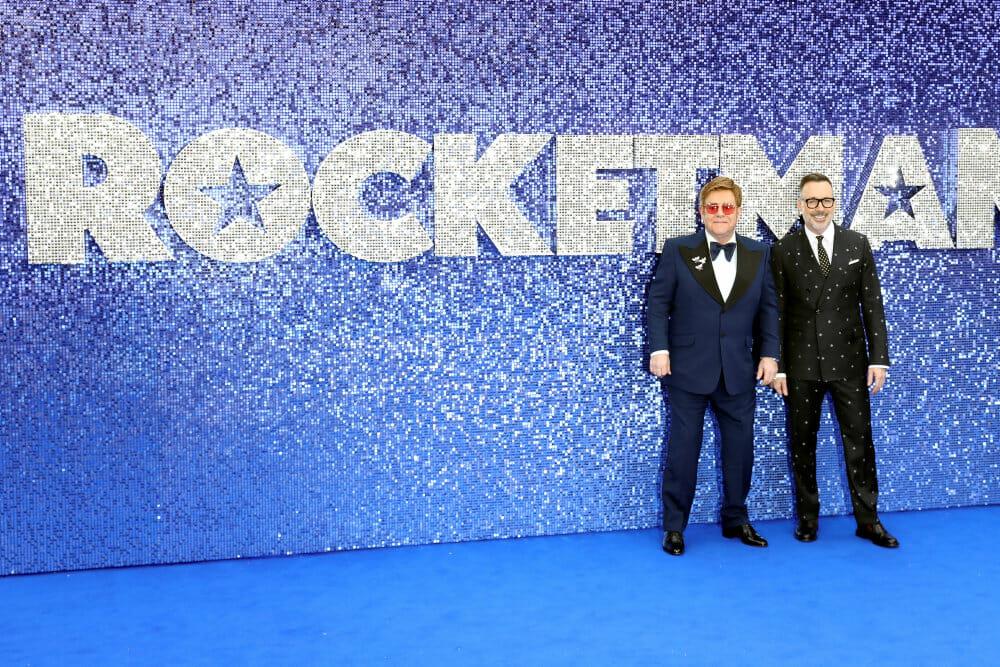 Elton John raser mod russisk filmcensur