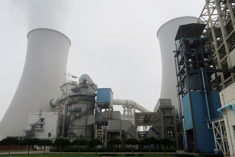 Vi udleder meget mere CO2, end vi tror – vi gør det bare i Kina
