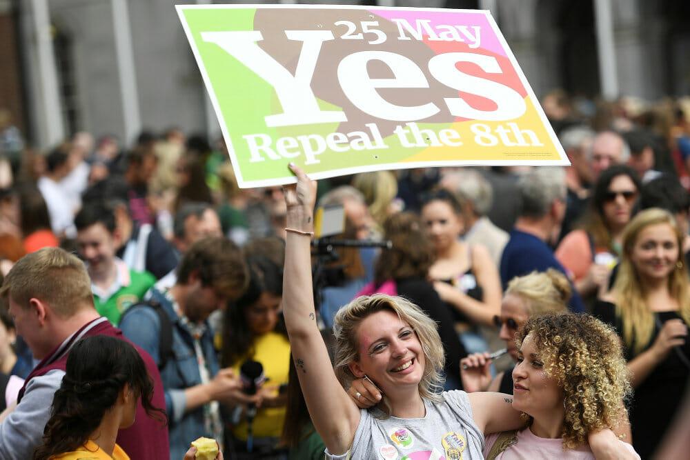Irland har stemt et rungende ja til abort