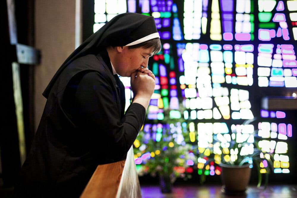 Antallet af nonner og munke i Danmark styrtdykker