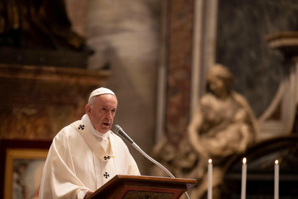 Pave Frans sammenligner aborter med lejemord