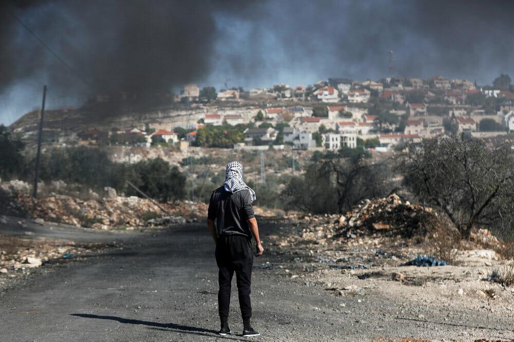 FN-liste udpeger 112 firmaer med bånd til bosættelser