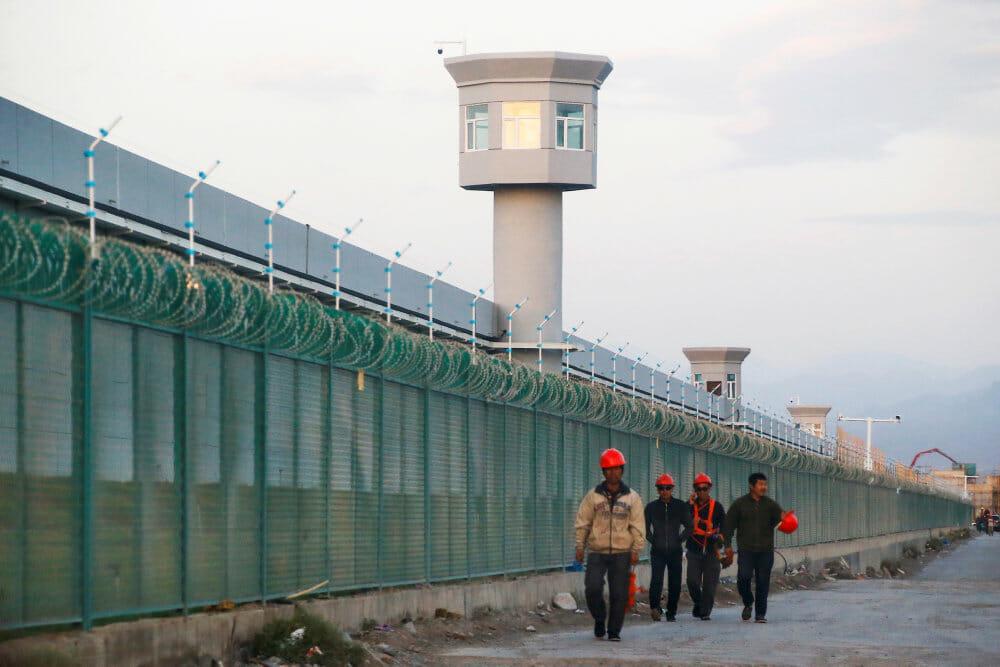 Uighurer fanget i fintmasket net af kontrol