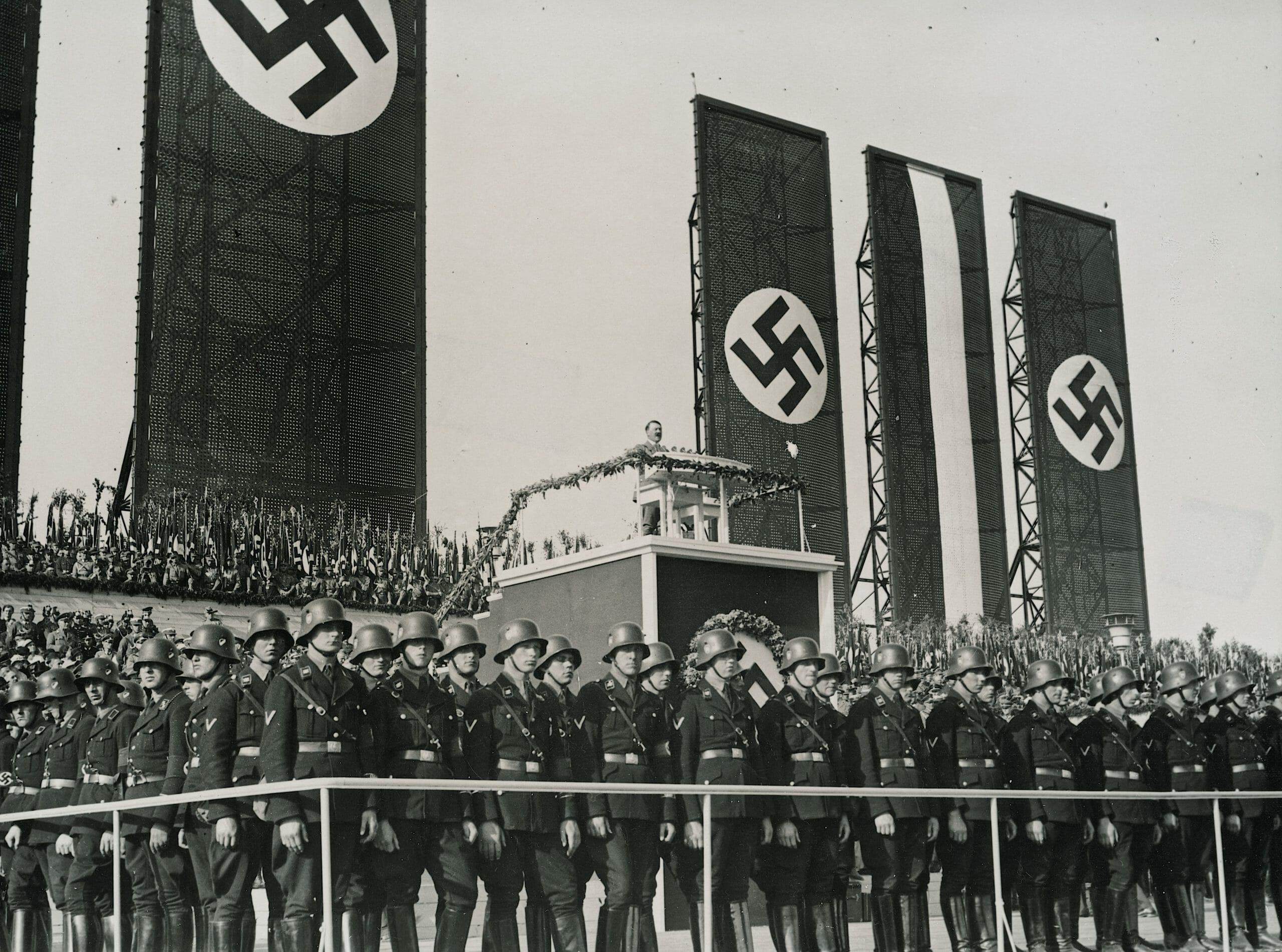 FAKTA: Kort om Nazismen