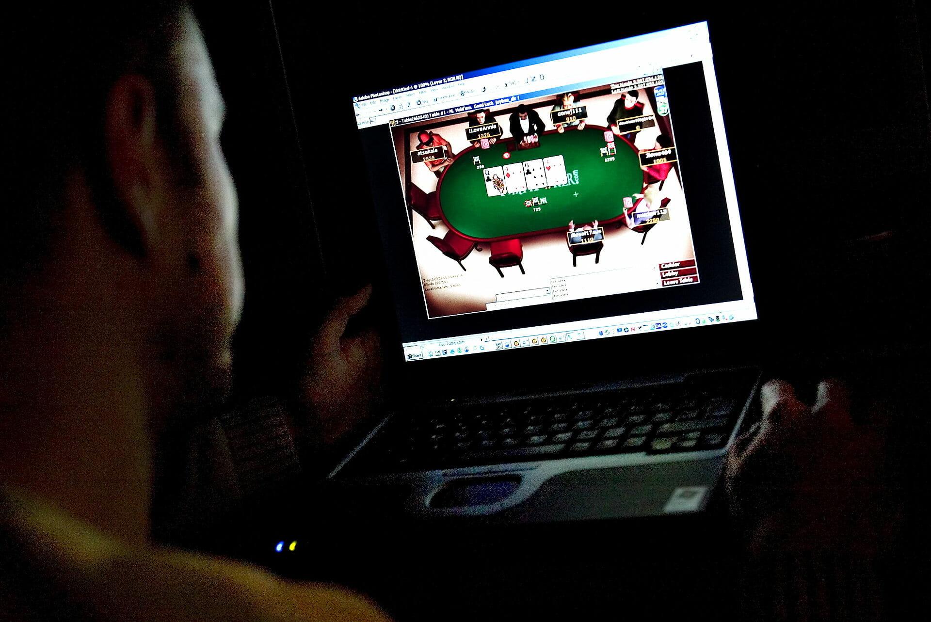 Internettet får danskerne til at gamble som aldrig før
