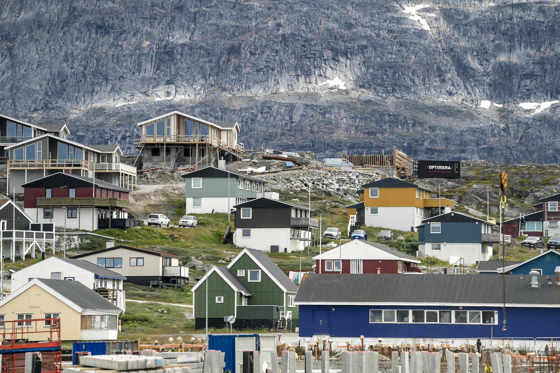 Grønland får den første vej mellem to byer