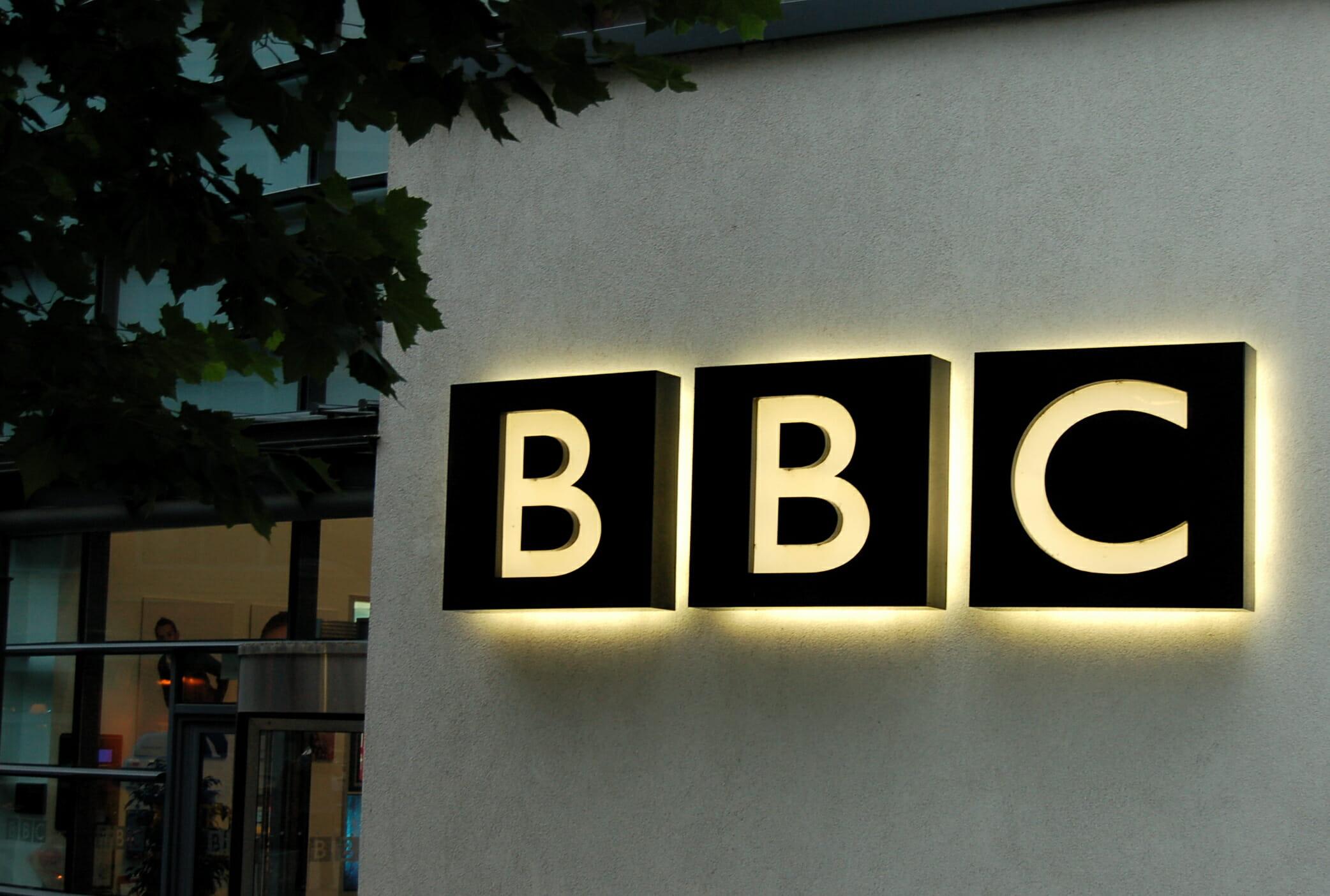 Premierminister David Cameron til BBC: Stop brugen af navnet Islamisk Stat