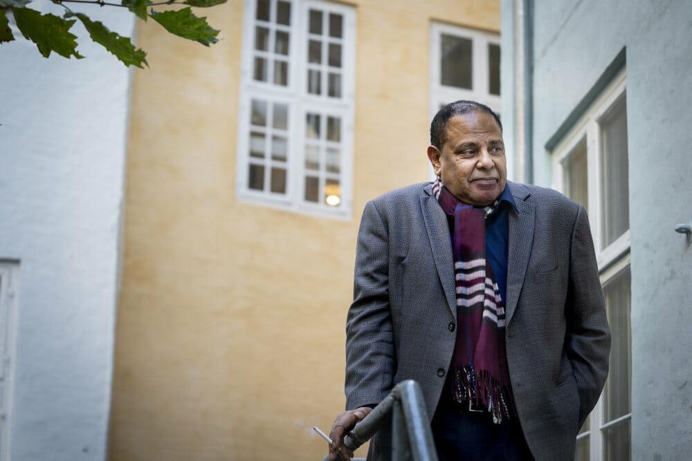 Forfatter til forbudt bog om oprøret i Ægypten måtte flygte: Jeg vil gøre det hele igen