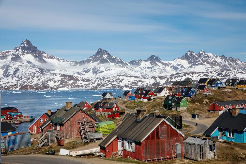 USA's konsulat i Grønland hejser flaget til lovord om venskab