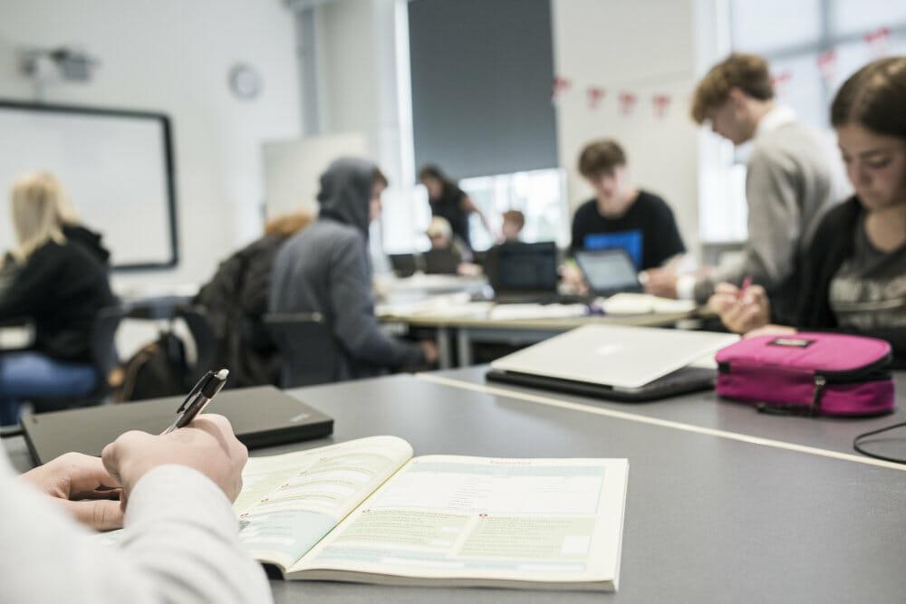 Read more about the article 9.-klasses piger døjer med stress