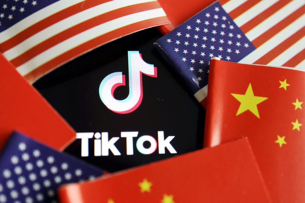 Frygt for datadeling får TikTok-stjerner til at forlade app