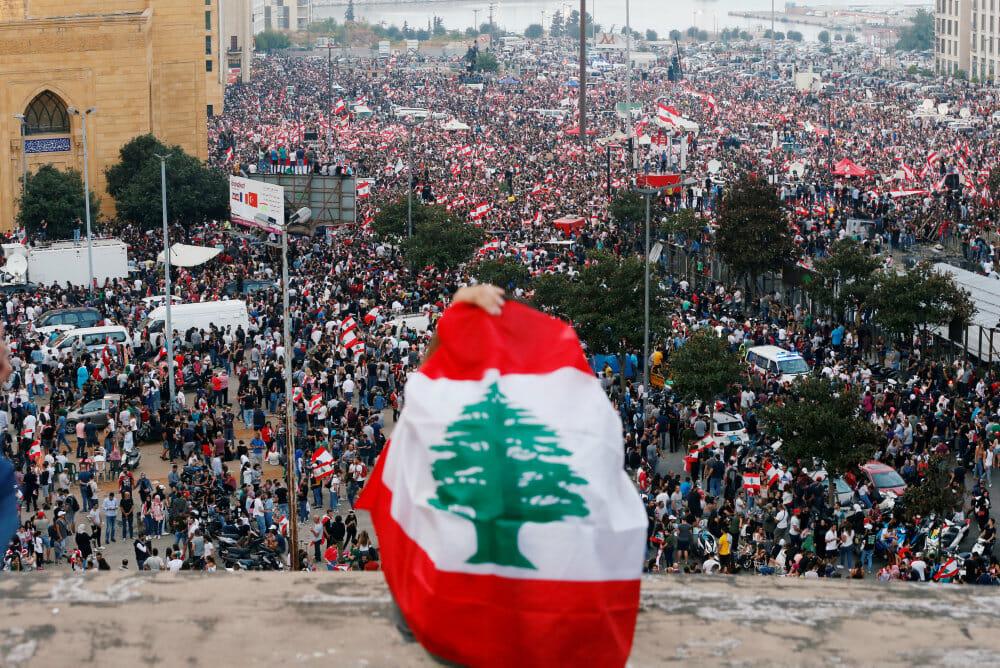 Read more about the article Libanon: Eksplosion øger presset på trængt regering