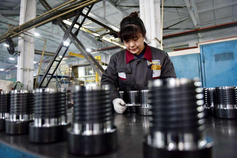 Kina overhaler USA's økonomi før tid på grund af pandemi