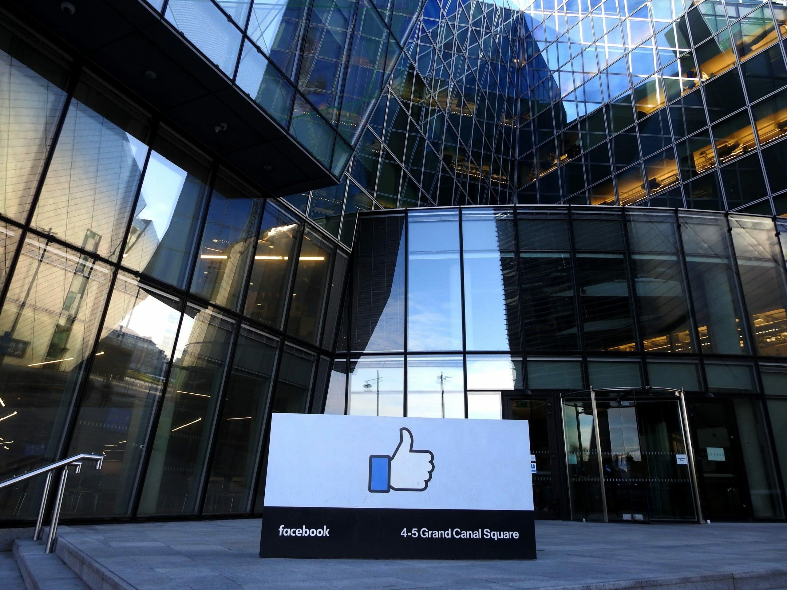FAKTA: Sådan tjener Facebook sine penge