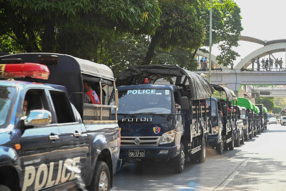 Read more about the article Kup i Myanmar: Demokratiet er opløst af generalerne i junglen