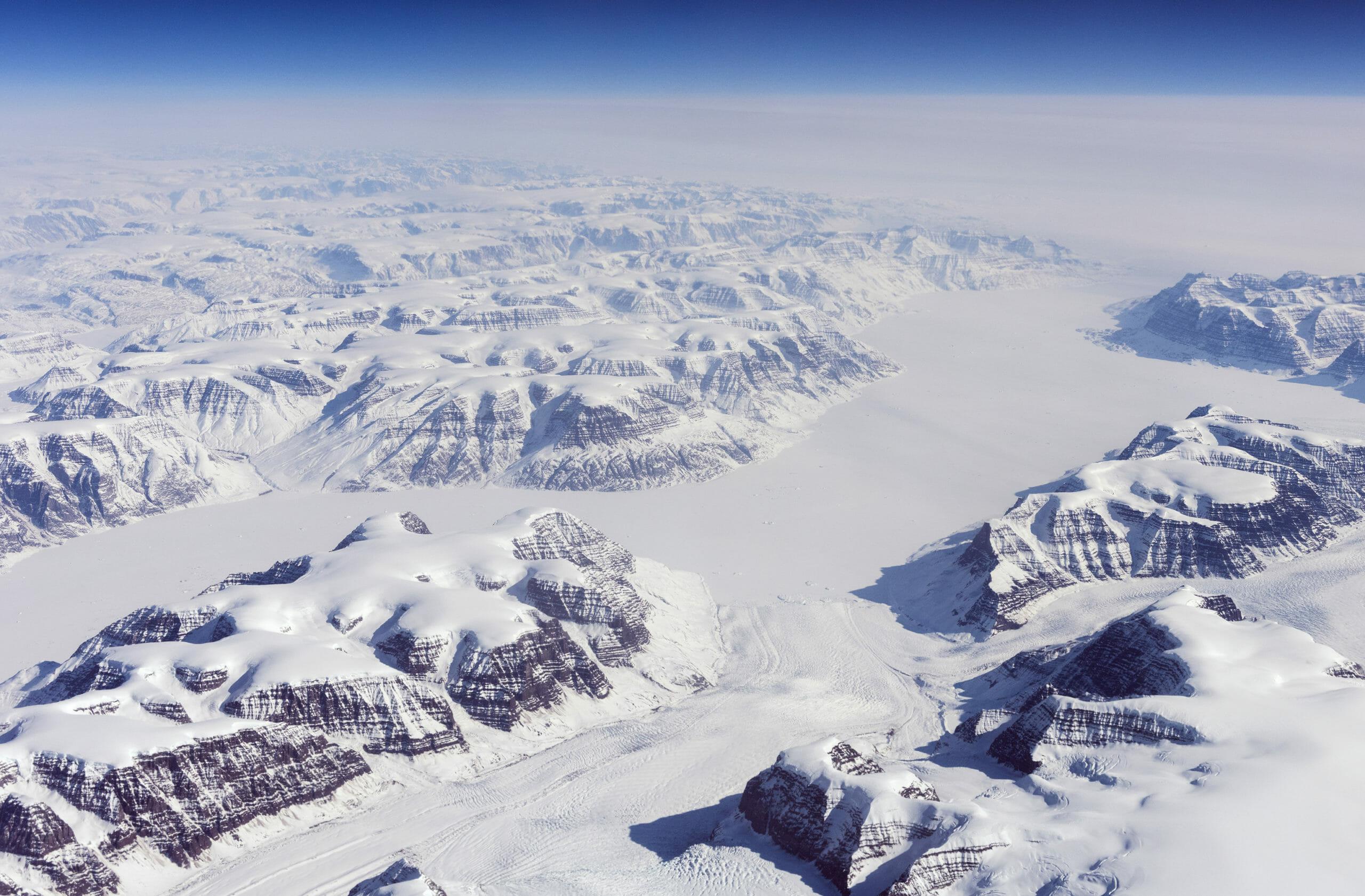Droner og nyt radarsystem skal styrke dansk overvågning af Arktis