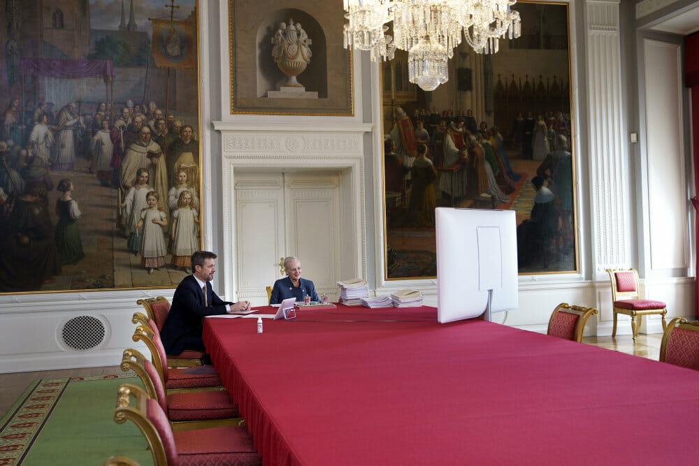 Statsråd med dronningen er virtuelt for første gang nogensinde