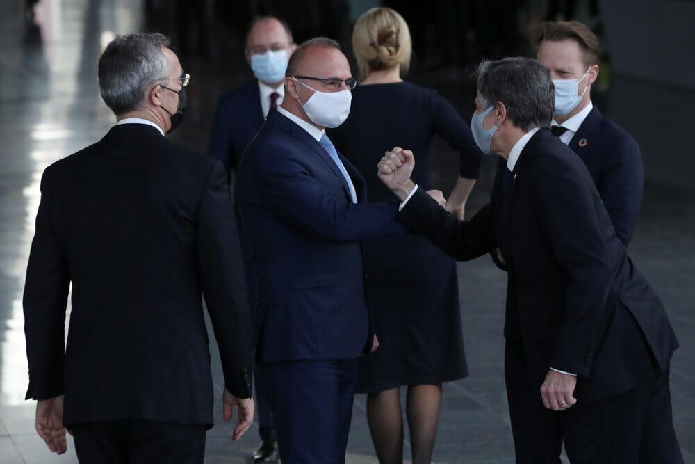 USA beroliger allierede med løfter om revitaliseret Nato