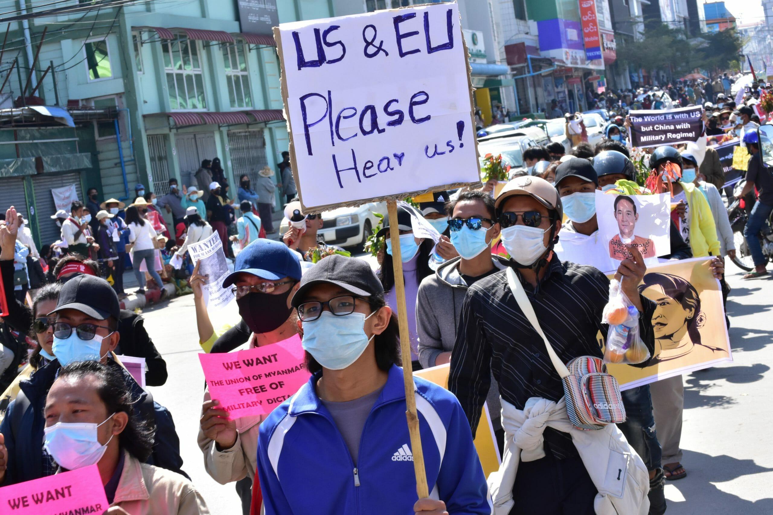 Pensionsselskaber har indirekte støttet Myanmars militærregime