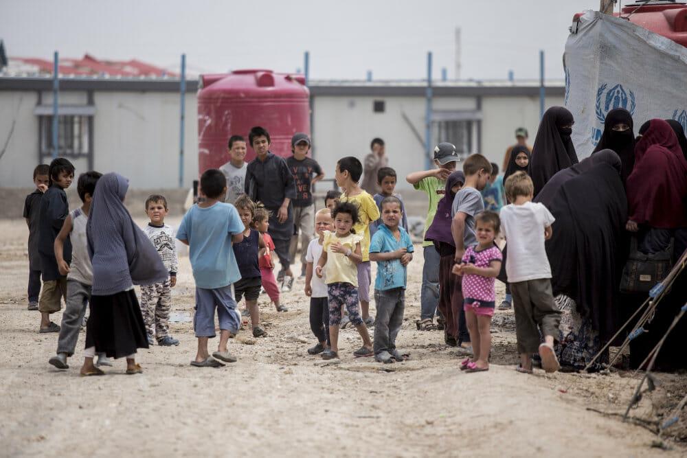 Regeringen vil alligevel hente børn og mødre hjem fra syriske fangelejre