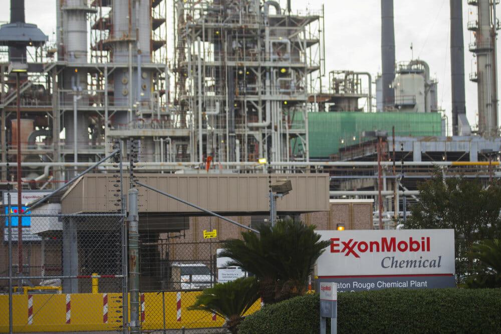 Klimaaktivister sikrer sig pladser i oliegigants bestyrelse