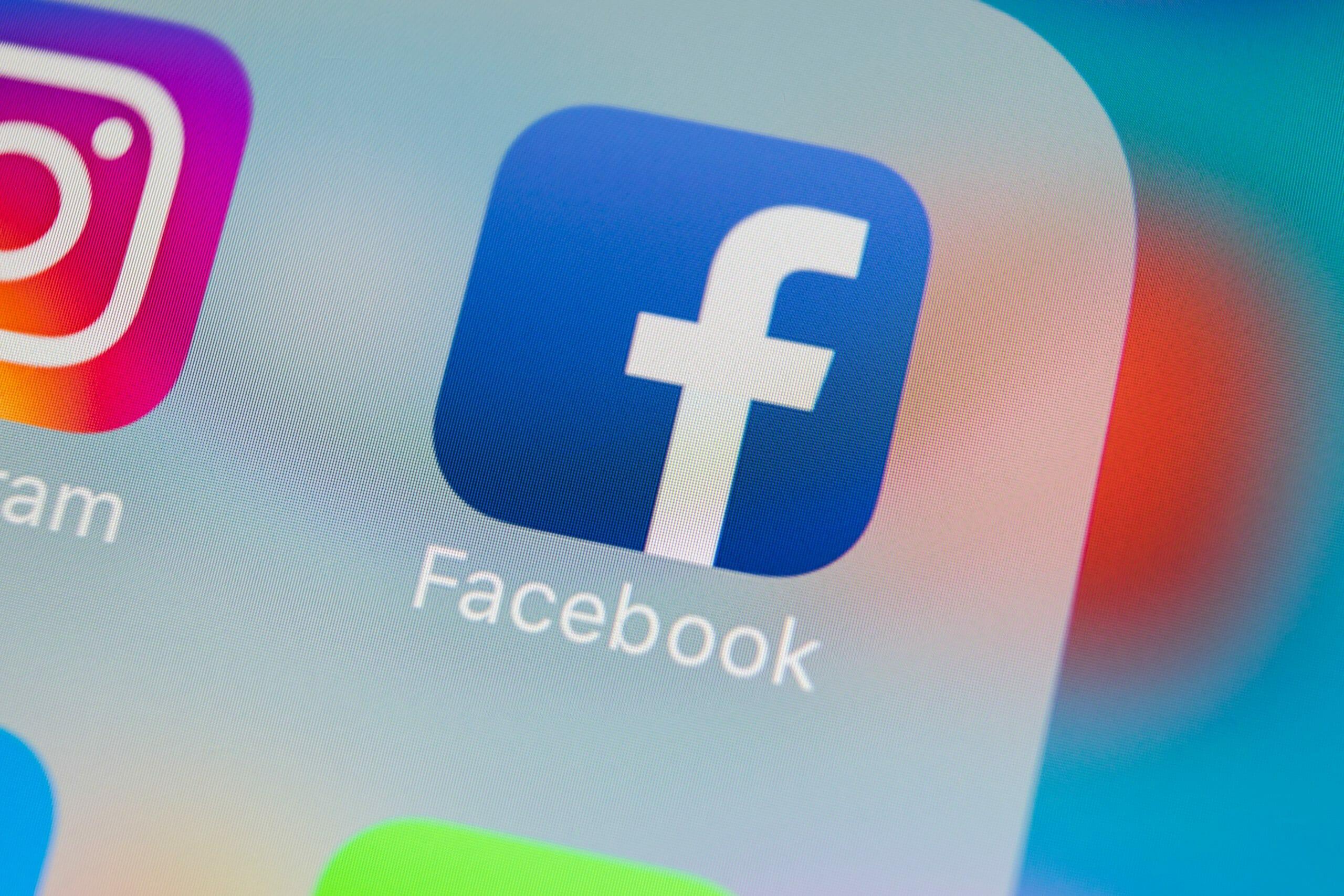 Medier stopper politiker-kapring af kommentarspor på Facebook