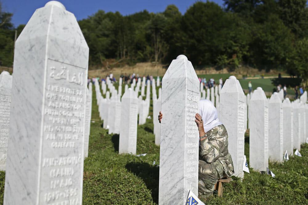 Ratko Mladics blodige arv deler Bosnien trods livstidsdom i Haag