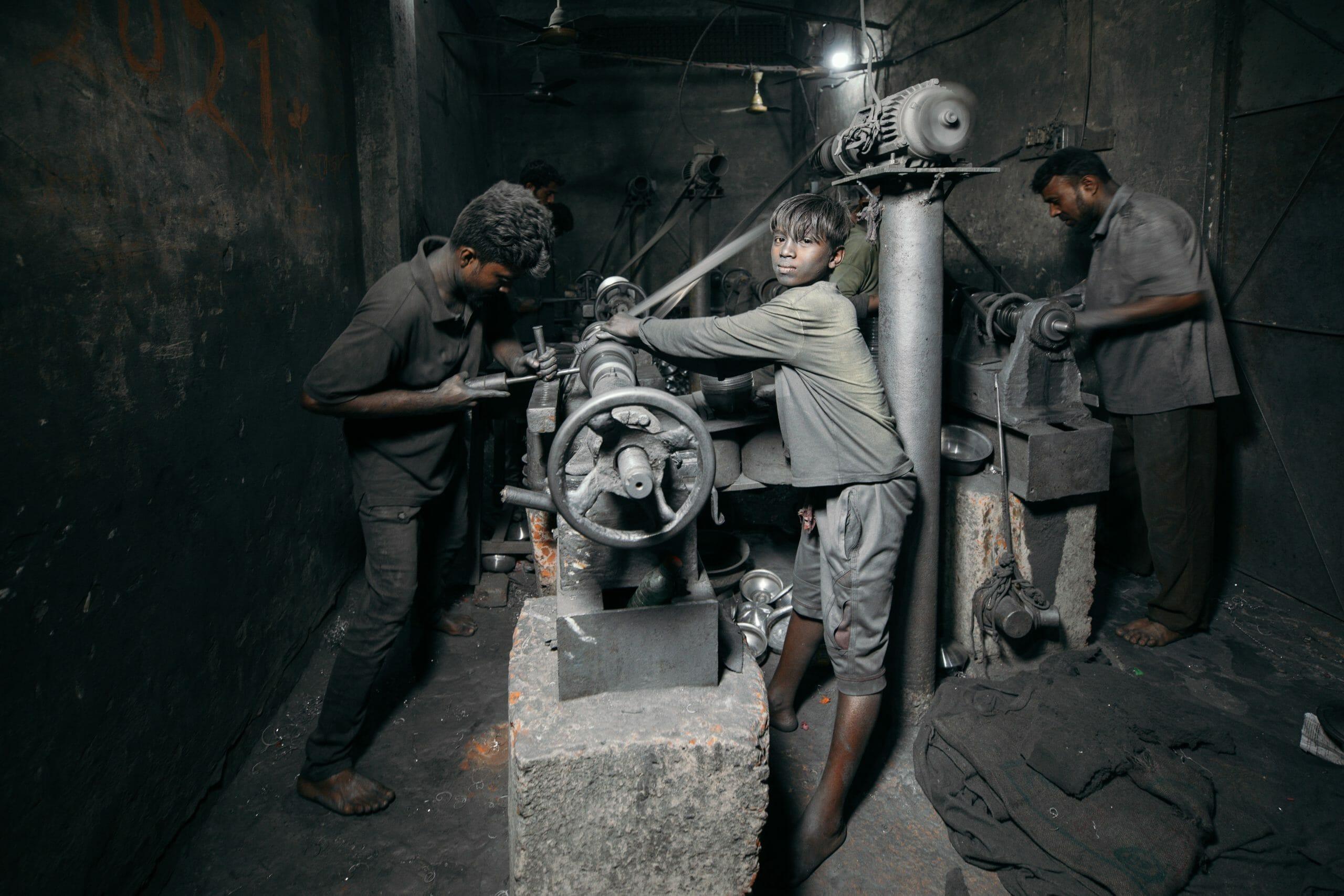 Read more about the article For første gang i to årtier stiger antallet af børnearbejdere i verden