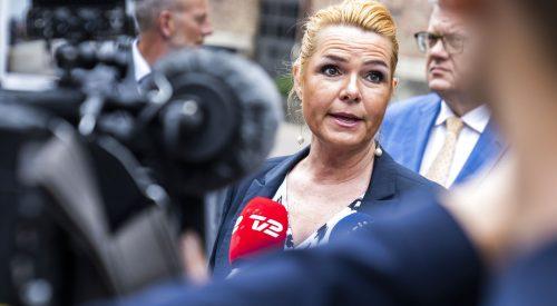 Forhenværenede udlændinge- og integrationsminister Inger Støjberg ankommer til forberedende møde om rigsretssag i Landstingssalen på Christiansborg i København, fredag den 25. juni 2021.. (Foto: Martin Sylvest/Ritzau Scanpix)